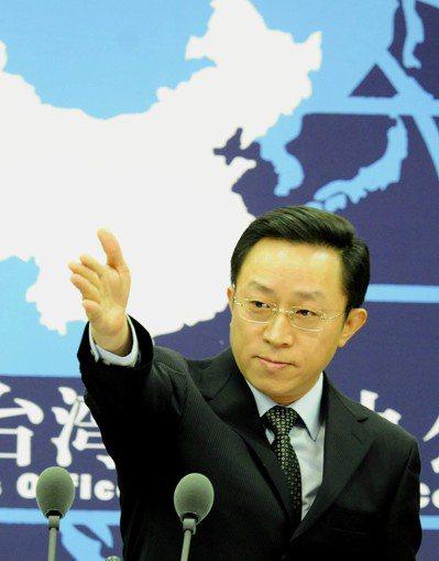 2011年10月,國務院台辦發言人楊毅表示,結束兩岸敵對狀態達成和平協議,符合中...