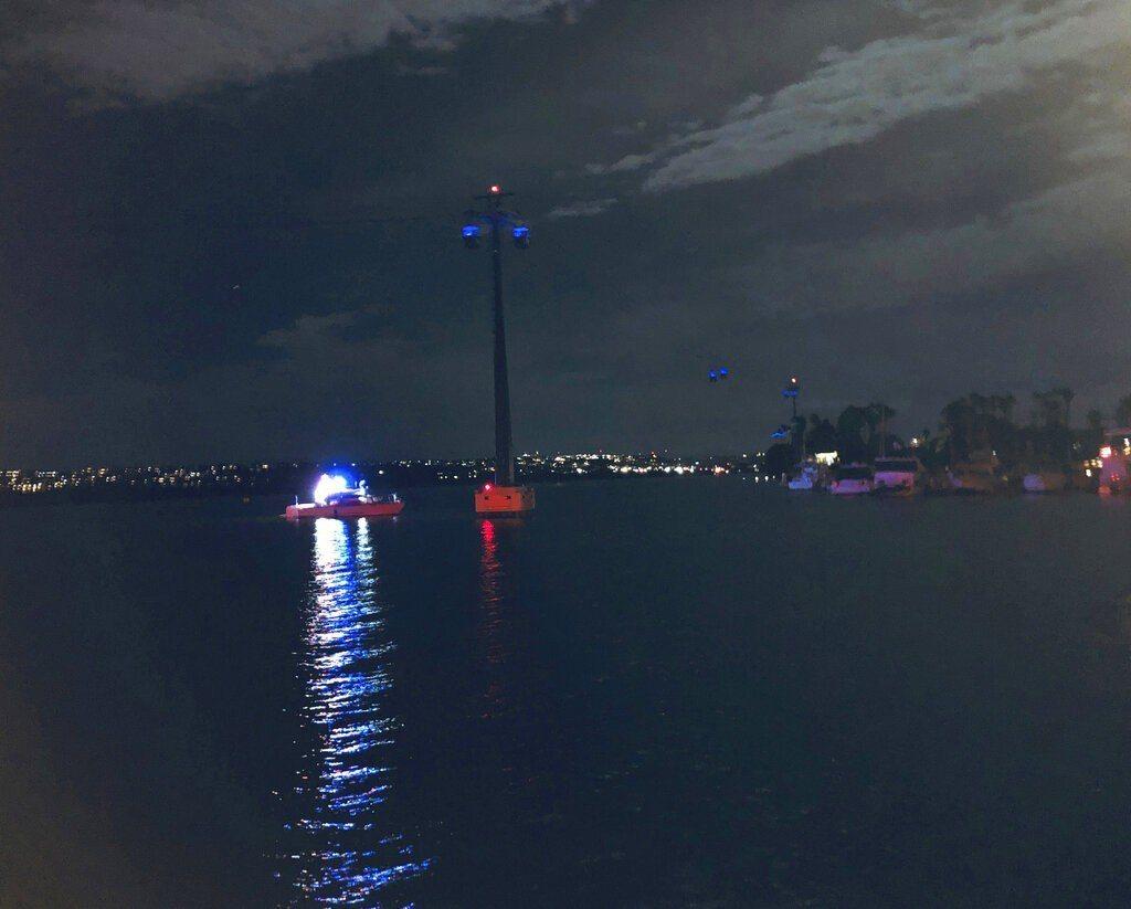 海洋世界纜車SkyRide發生電路問題,停止運行,人員被困。(美聯社)