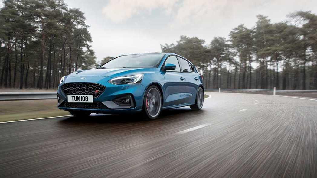 新世代Ford Focus ST的汽油、柴油車型,分別換上了2.3升EcoBoo...