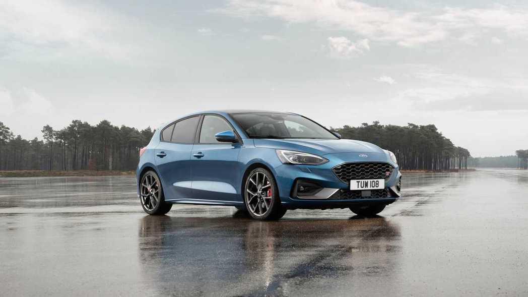 新世代Ford Focus ST EcoBoost車型還導入了eLSD電子限滑差...