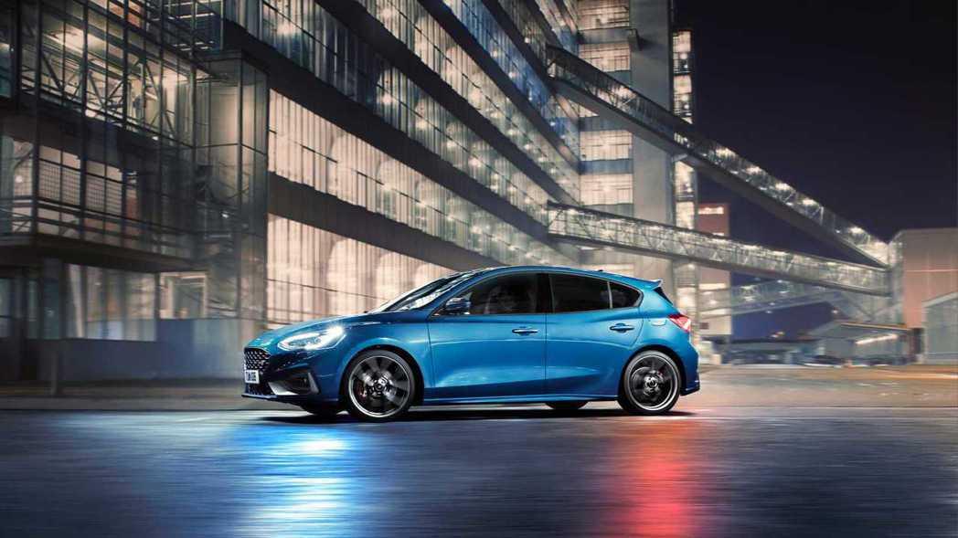 新世代Ford Focus ST EcoBoost車型還擁有偏時點火技術。 摘自...