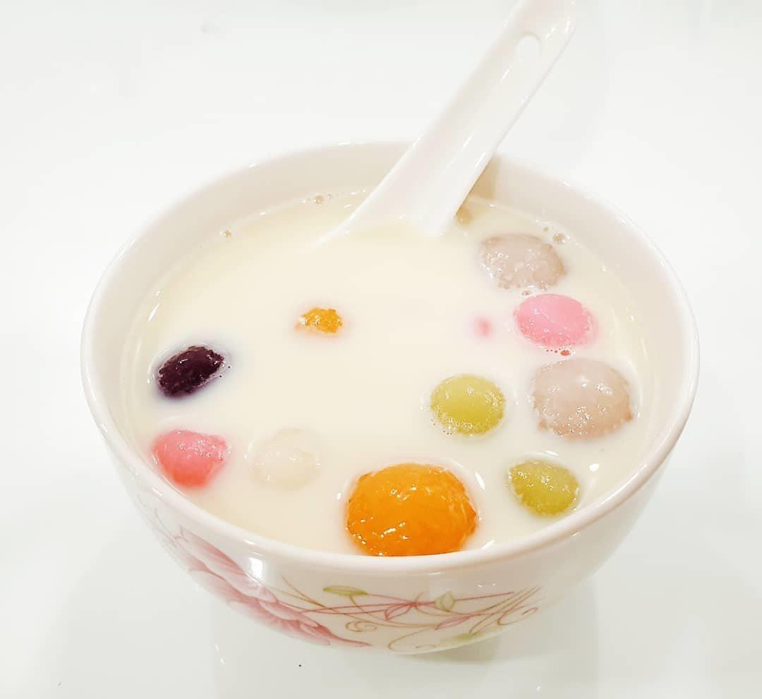 也可以清湯頭+彩色湯圓,是視覺系吃法! 圖片來源/pixer