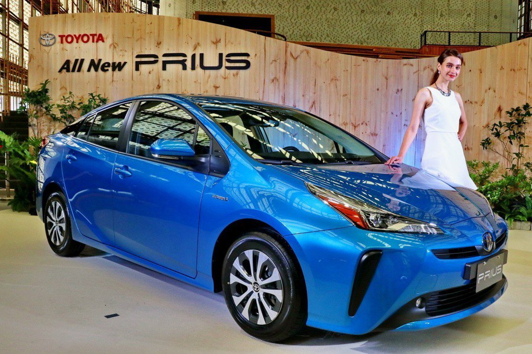 Toyota Prius小改款上市。 記者陳威任/攝影