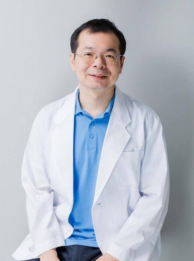 醫師謝旺穎在去年十月罹患肝膿瘍後,因無接受完整抗生素治療之下離世。圖擷自/謝旺穎...
