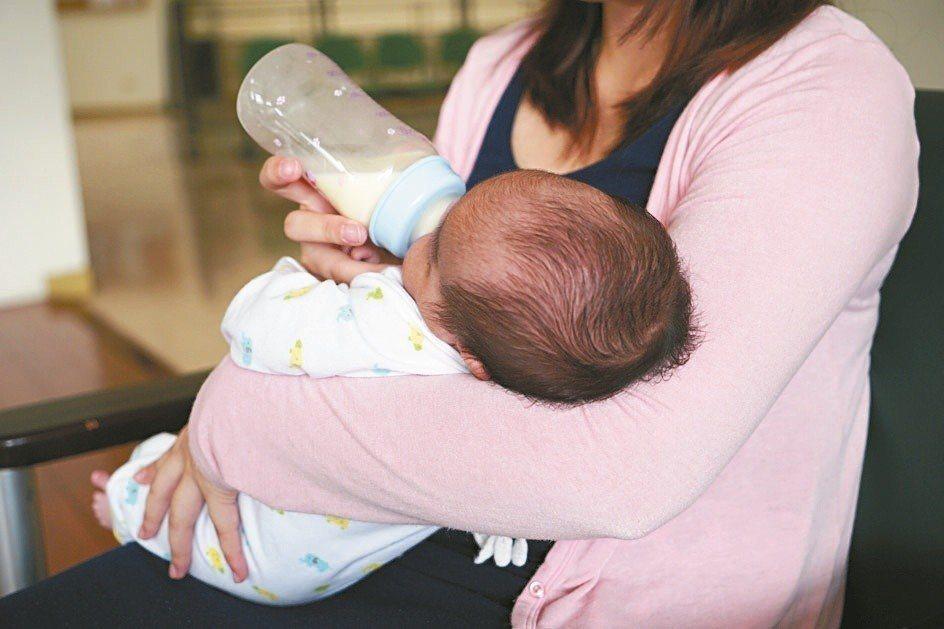 嬰兒別讓他趴睡。圖/本報資料照片