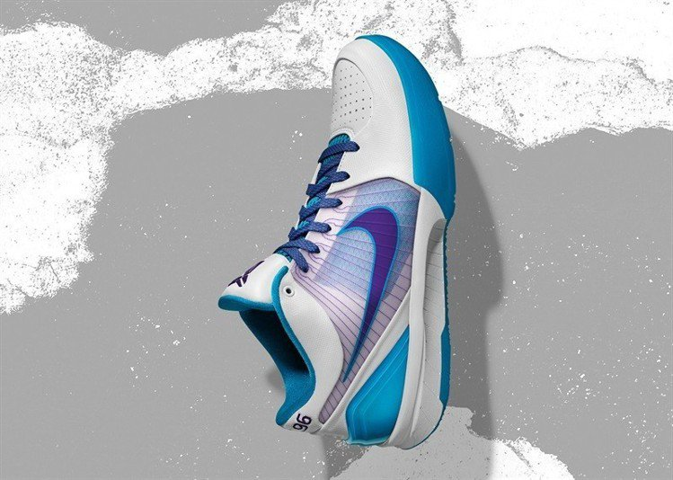 Nike Zoom KOBE IV Protro 版本。圖/Nike提供