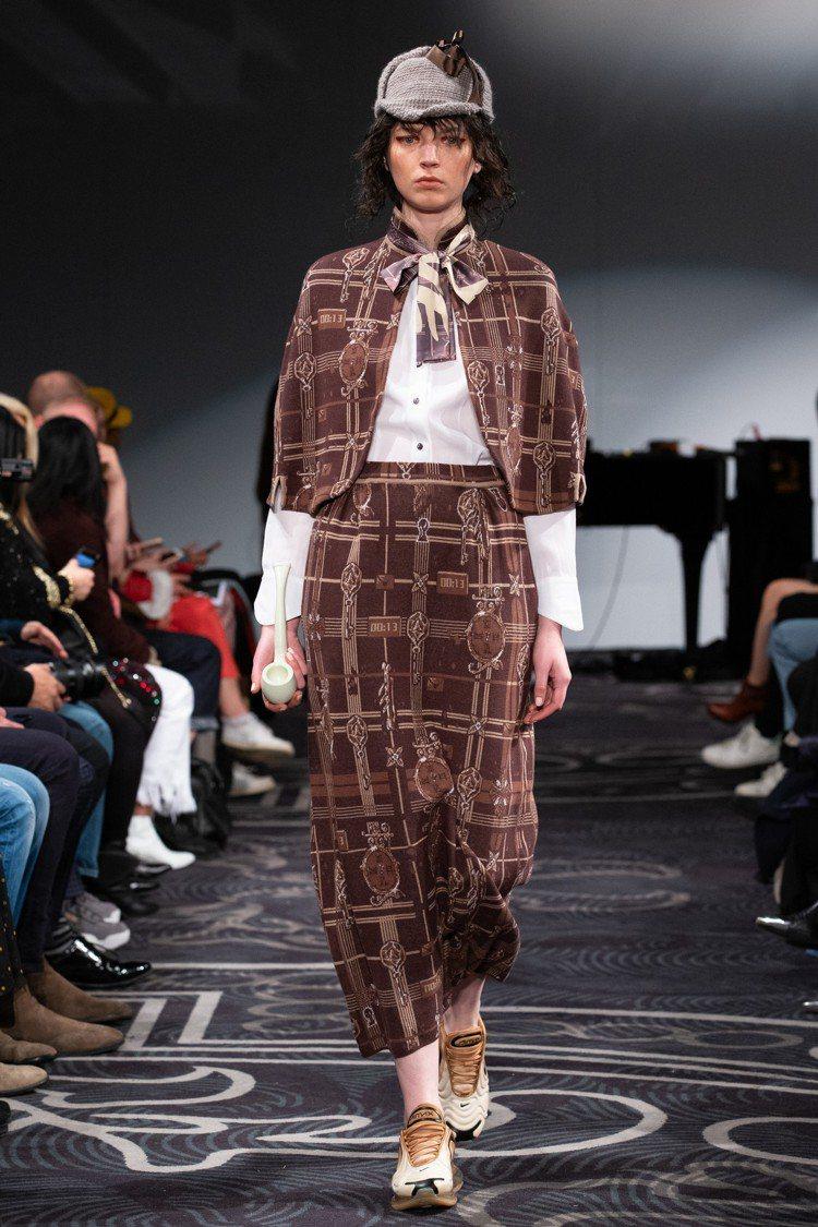 服裝輪廓展現設計總監詹朴對推理小說的熱愛。圖/APUJAN提供