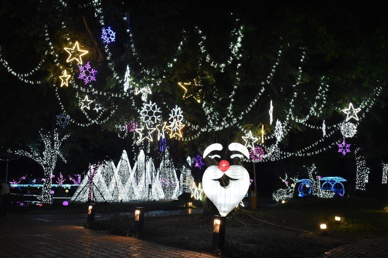 今天是元宵節,但今天晚上還能看到耶誕燈飾!宜蘭縣政府去年11月6日打造奇幻耶誕村...
