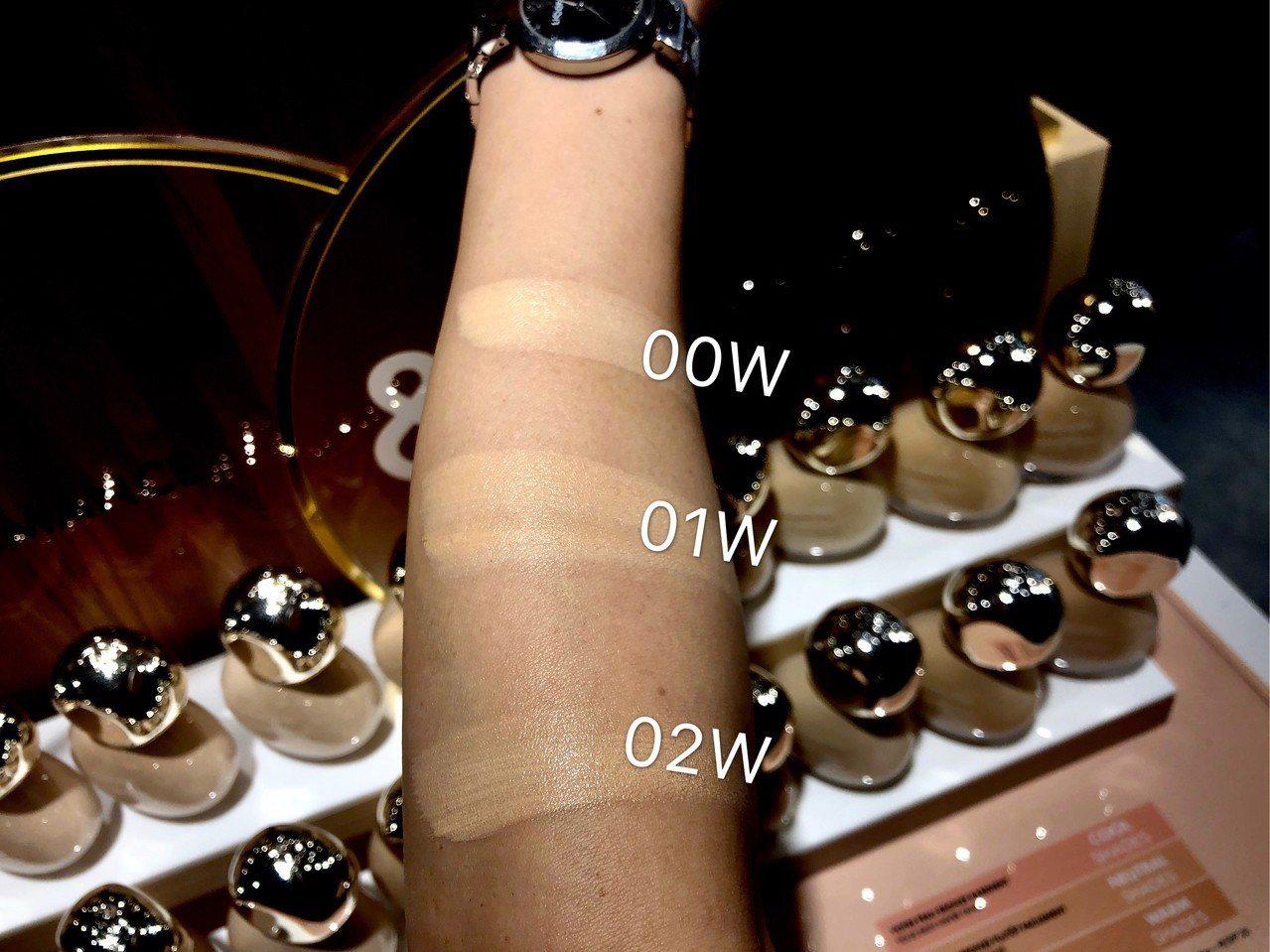 亮顏裸光純粹粉底液推出3種新色號,超適合亞洲人的黃皮膚。記者劉小川/攝影