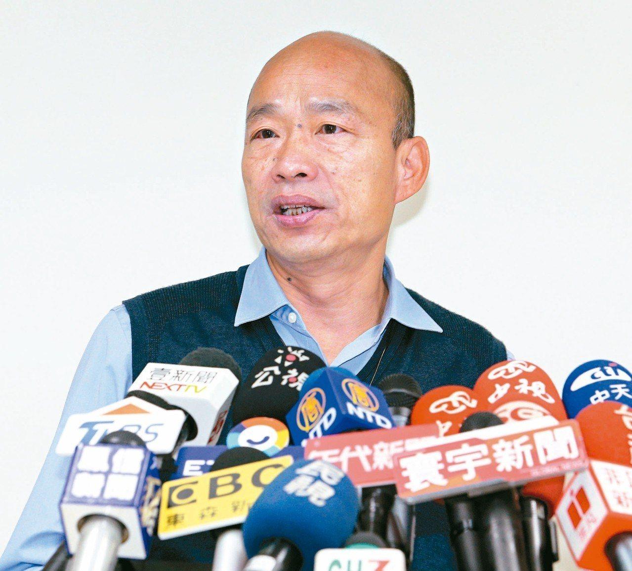 文山伯表示,農漁民辛苦工作,韓國瑜幫忙推銷產品,卻遭批土包子,等於罵農漁民是土包...