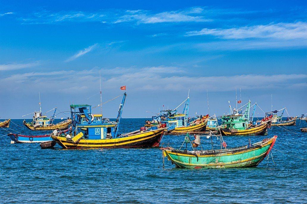 東港籍的漁船「穩鵬號」今天凌晨驚傳菲籍漁工發生械鬥。示意圖/ingimage