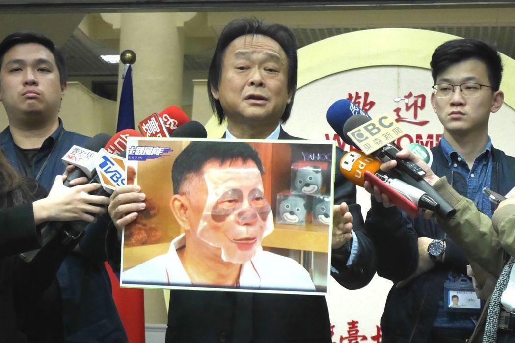 台北市議員王世堅被封為「柯黑議員」,批評台北市長柯文哲常不務正業。圖/聯合報系資...