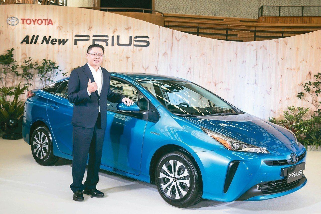 和泰車昨發表PRIUS改款新車,為年後車市戰開出第一槍。圖為和泰車總經理蘇純興。...