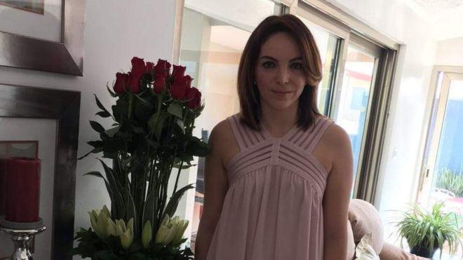 蘇珊娜在朋友家門外遭擄。圖擷自BBC
