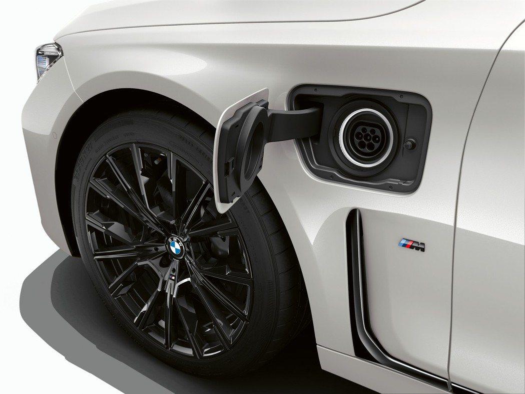 BMW iPerformance車系中,幾乎都是採用插電式油電混合動力。 摘自B...
