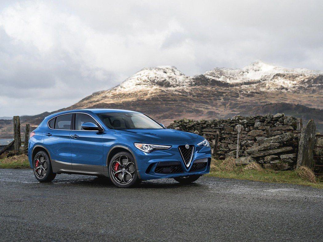 近日有傳言指出,Alfa Romeo很有可能會在日內瓦車展中,發表一部定位於St...