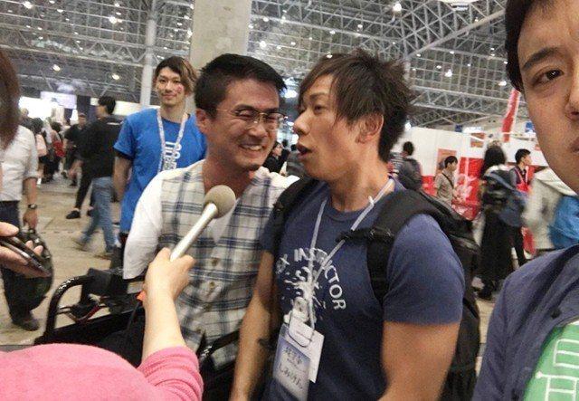 清水健(右)好奇乙武洋匡(左)如何解決性需求。 圖/摘自推特