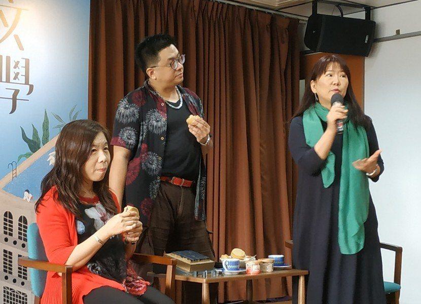 20日的台北文學季開幕記者會上,作家林立青、須文蔚及韓良憶分享著在台北成長的回憶...
