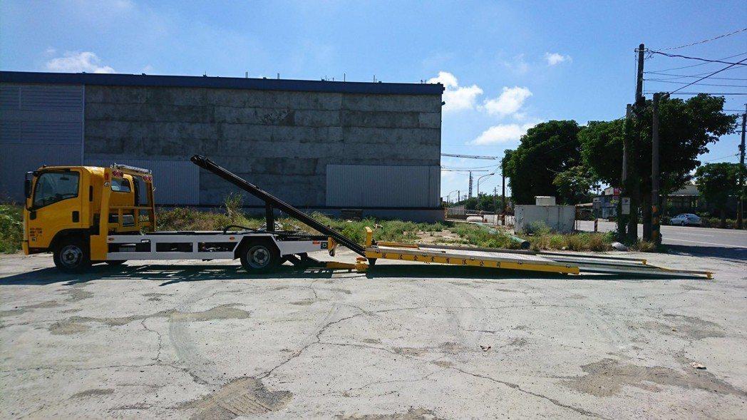 「全落斗式」吊車。圖/高公局提供