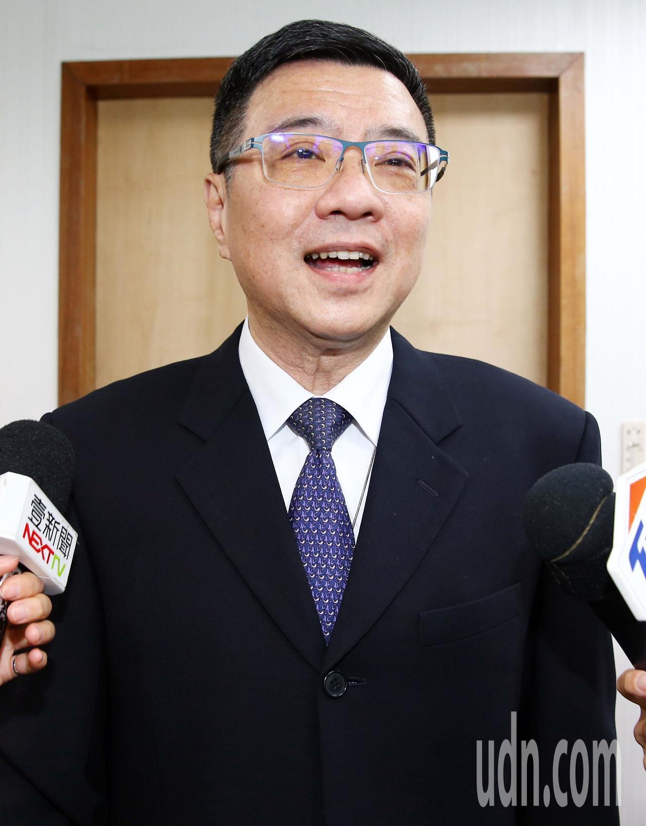 記者問卓榮泰:「萬一蔡總統民調拉不起來怎麼辦」?卓榮泰表示:「沒有這個問題!我們...