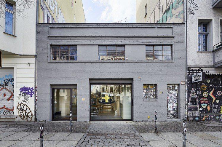 MCM「1976柏林」提供新型態的消費空間,有如藝廊的氛圍。圖/MCM提供