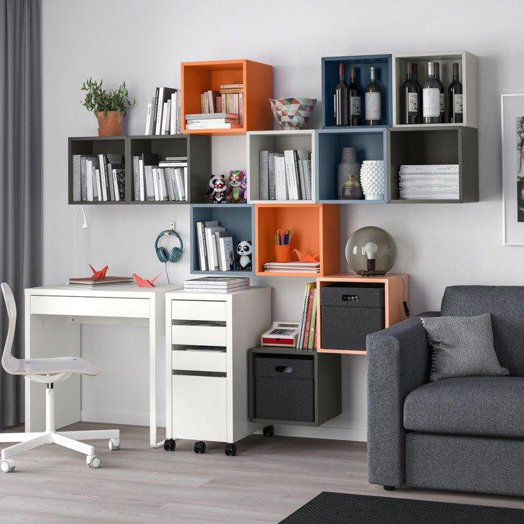 EKET收納櫃擁有多種色彩及不同組合,可安裝在牆上或堆疊設置,依個人需求靈活變化...