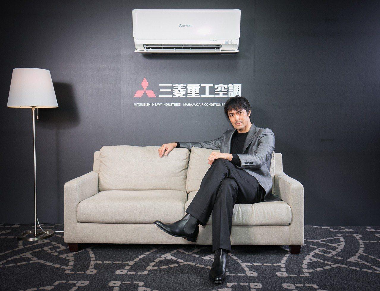 阿部寬今天(2/20)出席2019日本三菱重工空調系列新品發表會,提及空調對安心...