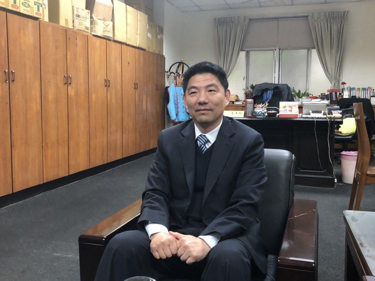 金門地檢署檢察長洪家原表示,去年的五合一選舉共計有5案,6人遭聲押,檢方會持續偵...