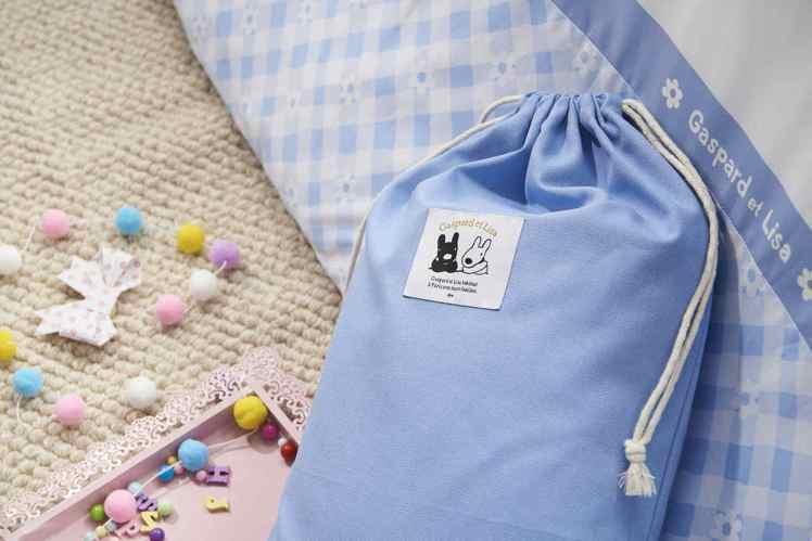 買再送同款帆布收納袋(數量有限,送完為止)。圖/La mode提供