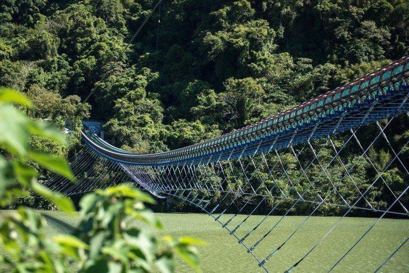 新溪口吊橋為全台最長懸索橋。圖/桃園市復興區公所提供