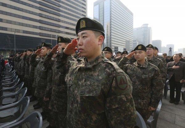 南韓役男服役時間將近2年。(美聯社)