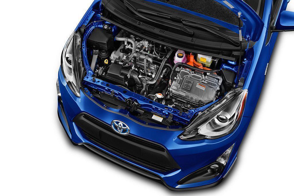 Toyota Prius C於2012年導入美國市場銷售時以21.5km/L平均...