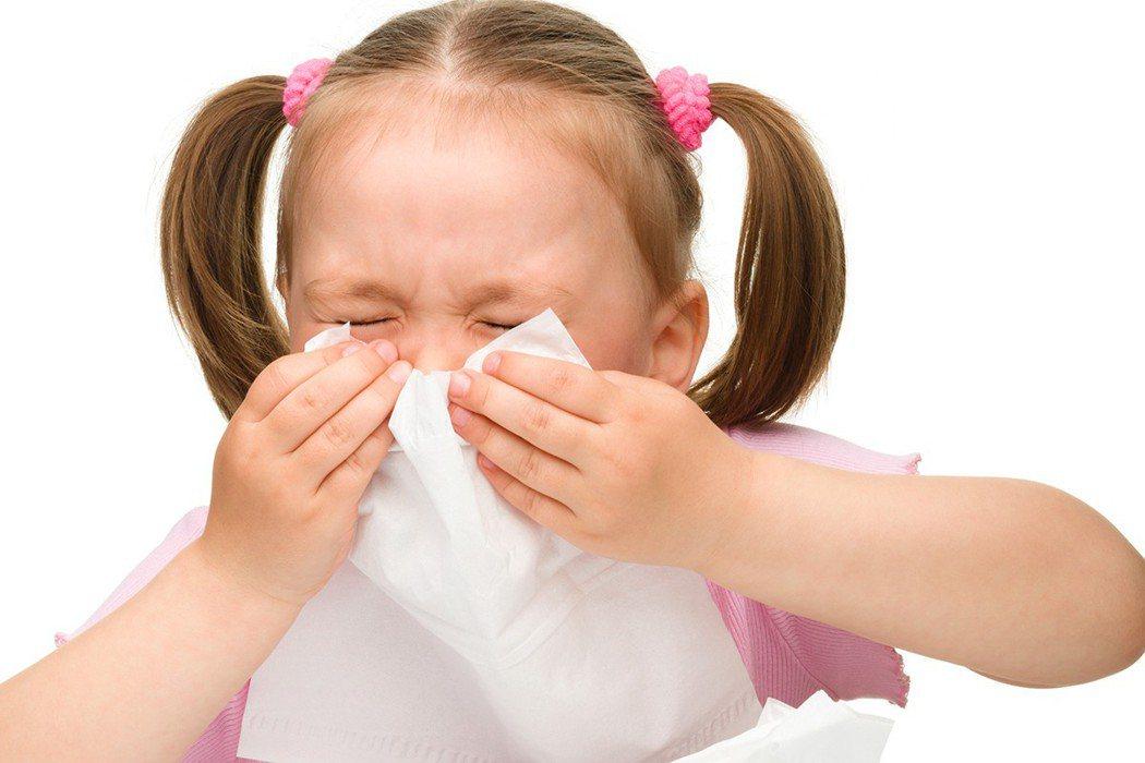 秋天是黴漿菌好發季節,較明顯的症狀是久咳。圖/Ingimage