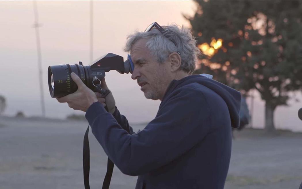 以《羅馬》入圍本屆最佳導演的阿方索(Alfonso Cuarón Orozco)...
