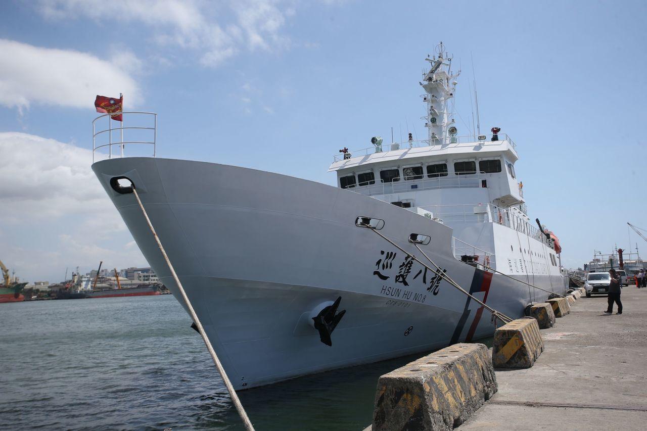 東港籍漁船發生海上喋血案,海巡署派出巡護八號前往救援。記者劉學聖/攝影