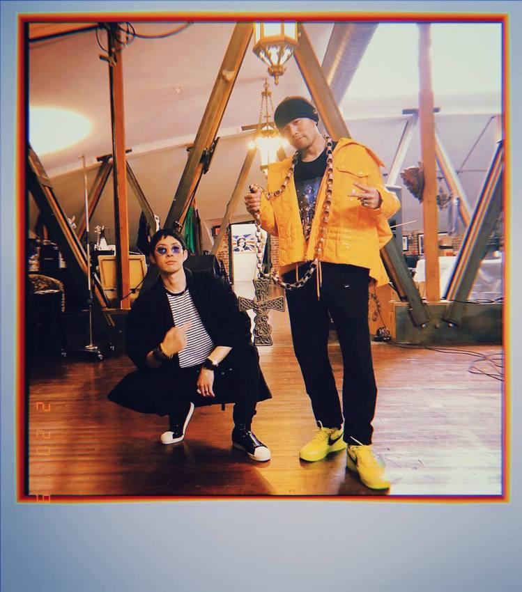 吳建豪(左)近日和周杰倫到名品總部參觀。圖/摘自IG