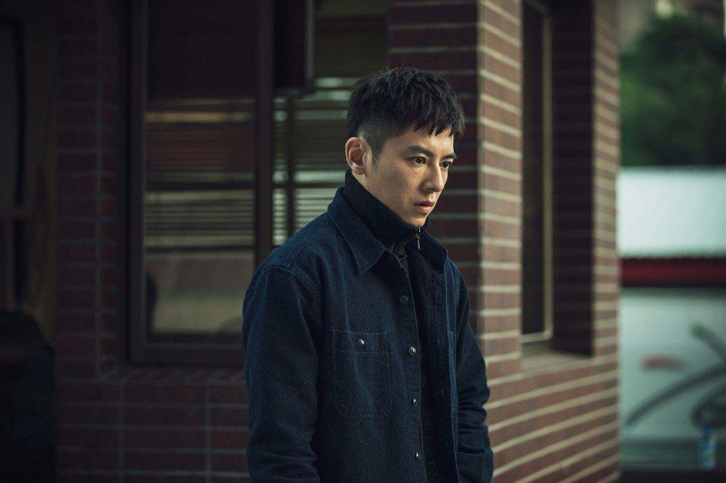 李國毅演出「靈異街11號」輕鬆自在。圖/LINE TV提供