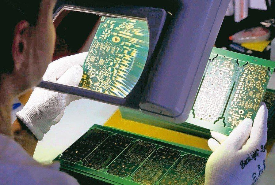 分析師指出,5G獨立組網帶動高階交換器需求,印刷電路板台灣廠商可望受惠。 本報系...
