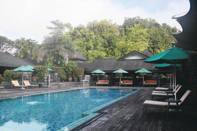 姆魯國家公園有豪奢的Marriott Hotel供遊客入住。 圖/陳志光