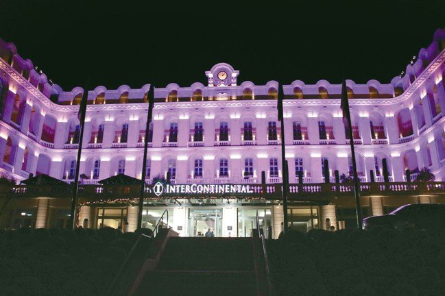 南法重要城市馬賽,港口有美麗的遊艇景致,洲際酒店也因別具特色而受到稱譽。 圖/陳...