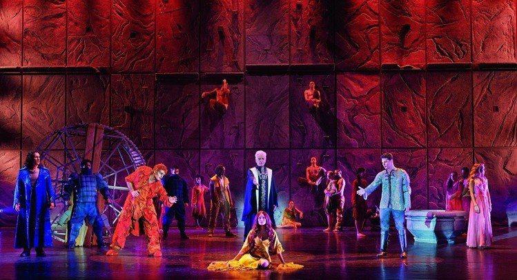 經典法文音樂劇《鐘樓怪人》。聯合數位文創/提供