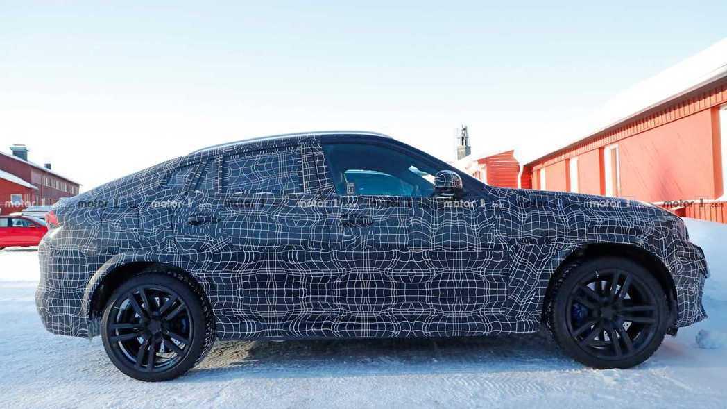 大改款BMW X6 M偽裝測試車。 摘自Motor 1