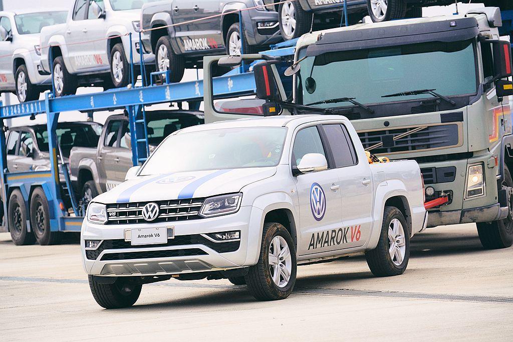 相較於市場上同級產品,福斯商旅Amarok V6擁有更實惠的稅賦優勢與合宜的保養...