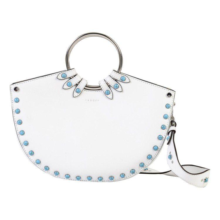 Sandro Olympe鑲珠設計白色半月包,售價18,320元。圖/Sandr...