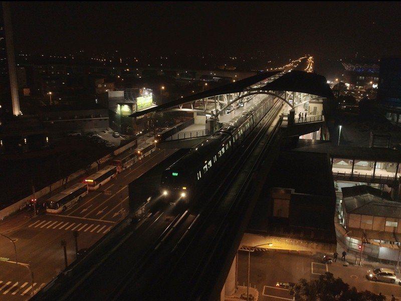 為更貼近國內外旅客乘車需求,桃園捷運公司今天宣布將從3月1日起,啟動深夜增開往機...