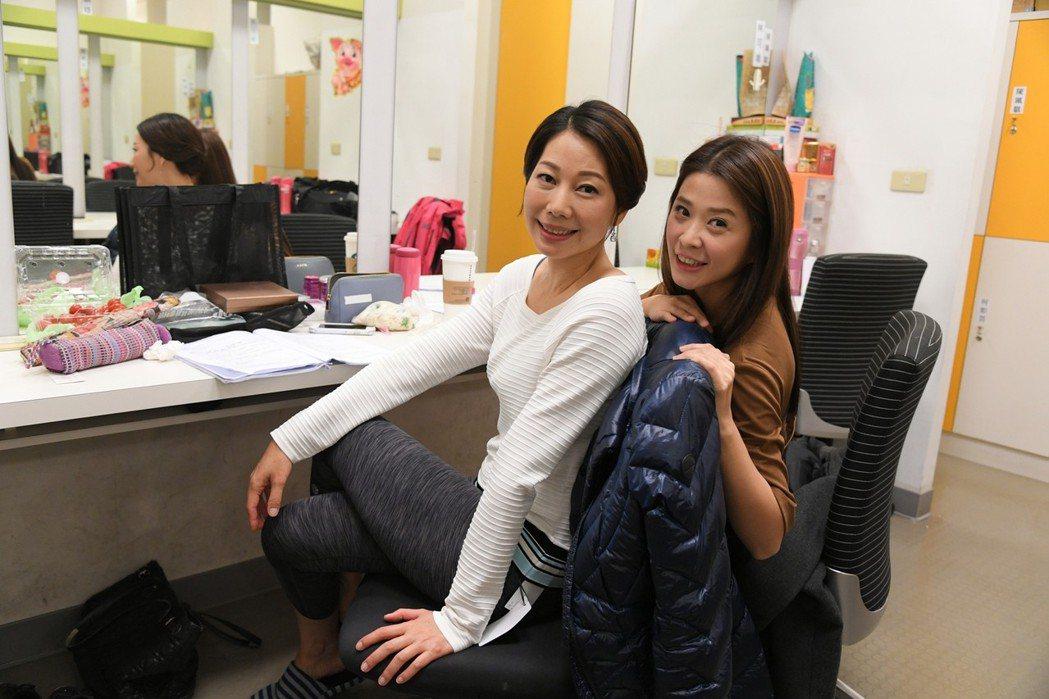 李燕(右)和丁寧在「炮仔聲」中演婆媳  圖/三立提供