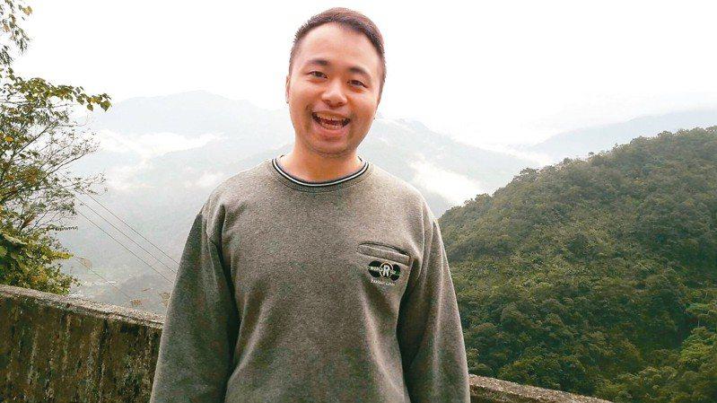 許鴻綸放棄警察工作,憑著自己獨特的念書方式,考取經濟部國營事業聯招企管類組。 圖/許鴻綸提供
