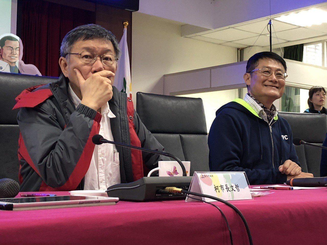 新北市長侯友宜因腰傷無法出席柯侯會,改由副市長陳純敬(右)代理。記者王敏旭/攝影