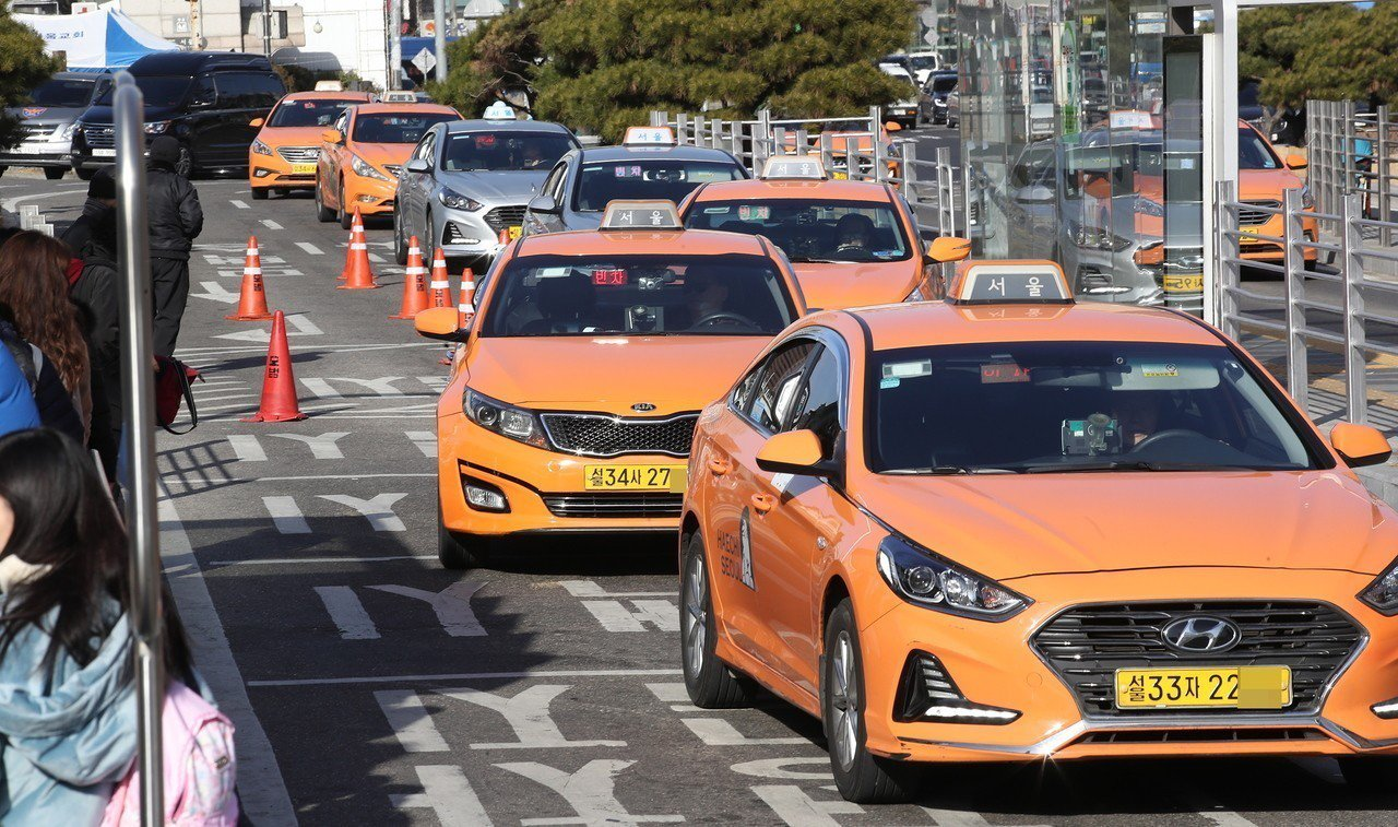 韓國首爾的計程車將全面調漲基本車資,最低漲幅為800韓元。 歐新社
