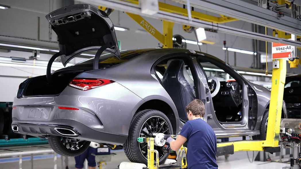 新一代Mercedes-Benz CLA預計將於五月在歐洲開始販售。 摘自Mer...